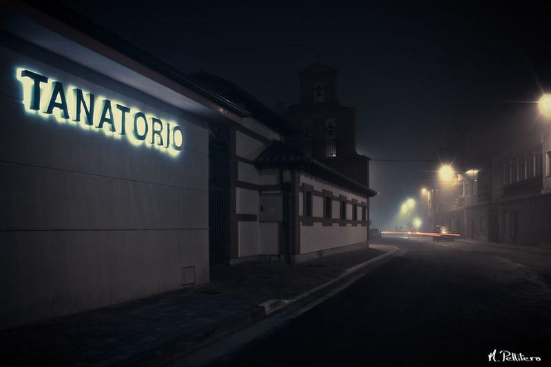 Santa Maria del Páramo: Noche de Niebla - Tanatorio