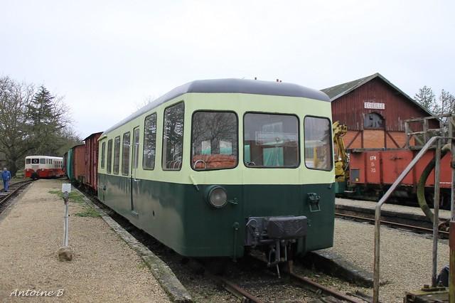 XR703 - SABA