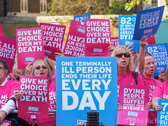 Dual Yes and No protest against Assisted Dying Bill - 16.01.2015 -110453.jpg