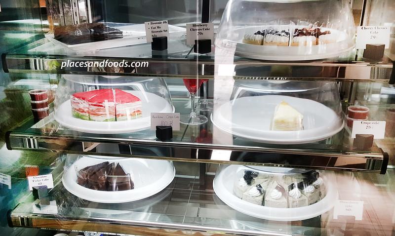 eat me cafe bangkok cakes