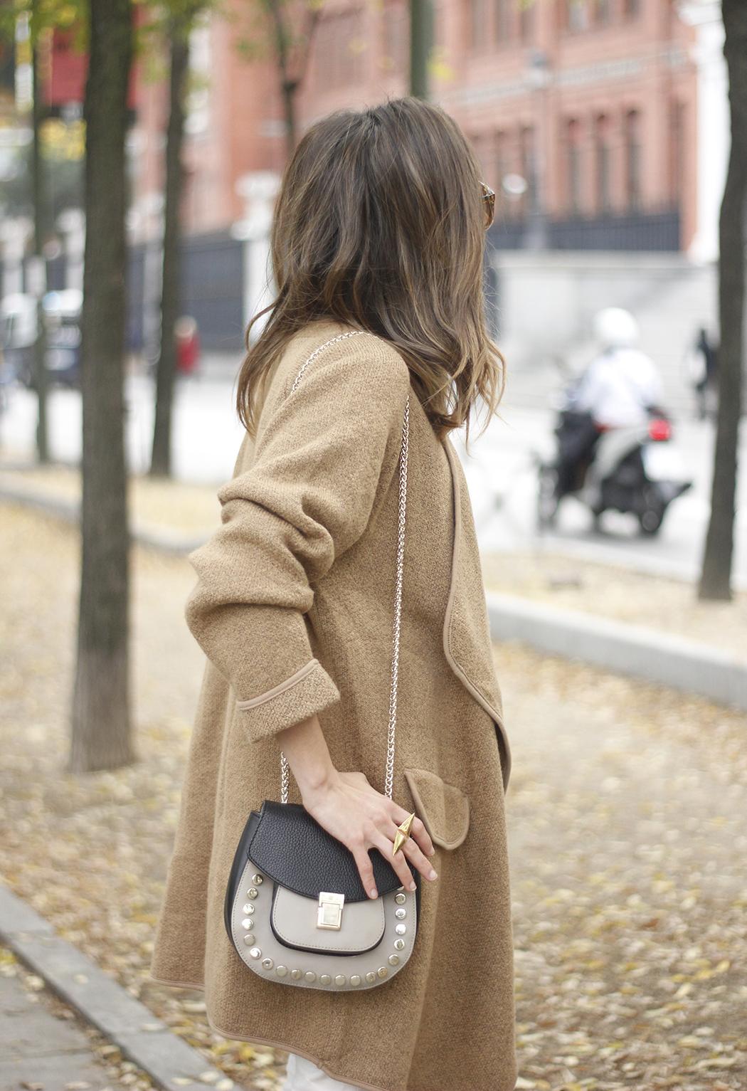 Camel Coat sheinside white outfit heels uterqüe purse outfit09