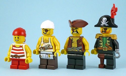 70413 The Brick Bounty figures02