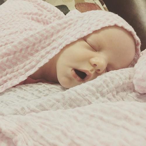 Sleeping beauty. #momseyeview #newborn
