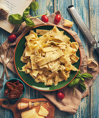 Papardelle italian pasta with fresh cherry tomatoe…