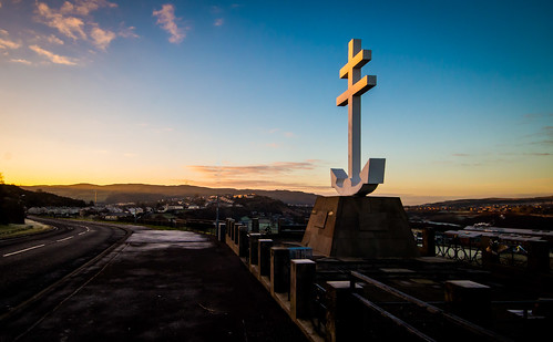 free french memorial greenock renfrewshire monument sunrise winter morning