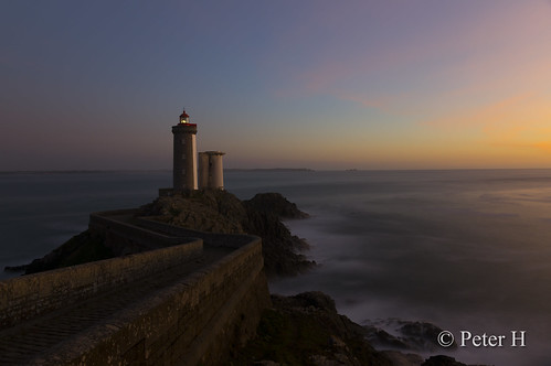 phare lighthouse pharedupetitminou brest finistère bretagne mer sea eau water coucherdesoleil sunset heurebleue bluehour paysage landscape poselongue longexposure france sony a580 zeiss variosonnartdt35451680 nd1000 wonderfulworld