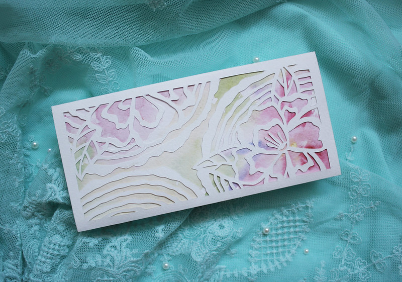 2015_wedding envelope_flowers&wood