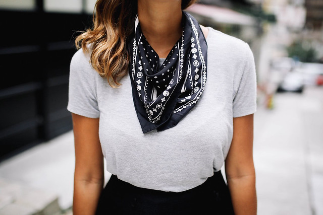 4 ways to tie a neck scarf a pair a spare pin it ccuart Image collections