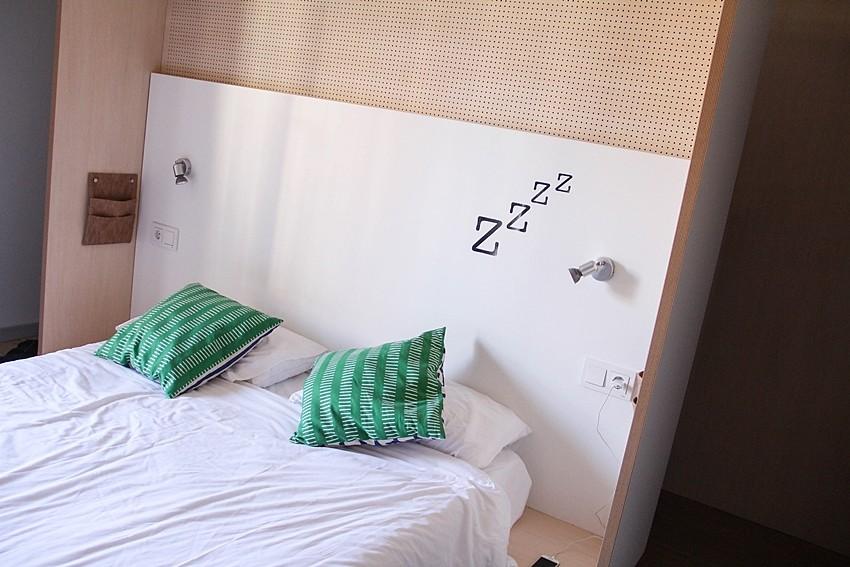 habitacion-hostal-buena relacion calidad precio-madrid-toc-hostel-cadena-hostales-experiencia-myblueberrynightsblog
