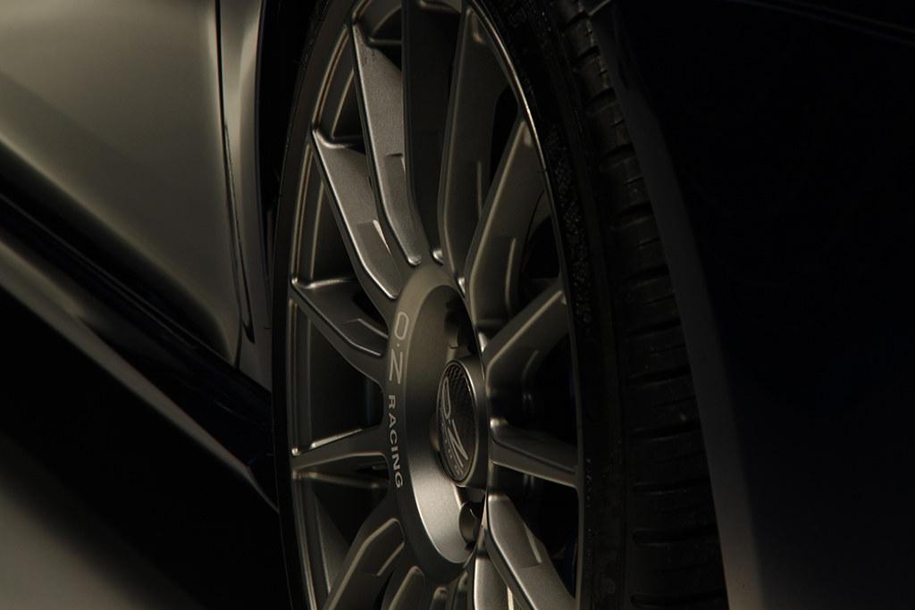 BigFoot Centre - VW Golf R32 Nanotech Detail 22466995344_a3e3afbfdb_b