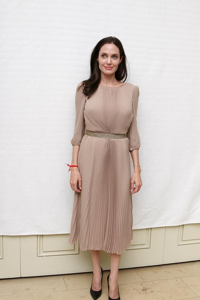 Анджелина Джоли — Пресс-конференция «Лазурный берег» 2015 – 46