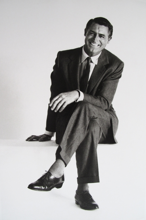 Cary Grant crossed legs