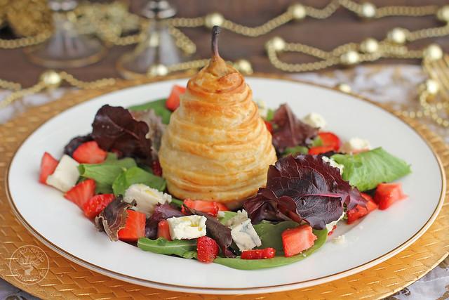 Ensalada con pera envuelta en hojaldre www.cocinandoentreolivos.com (1)
