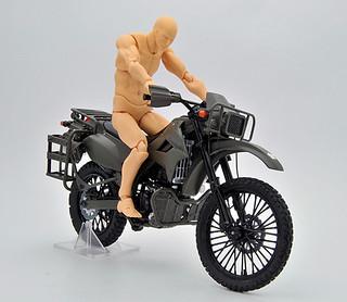 LittleArmory 路上自衛隊 偵察摩托車 川崎KLX250 1/12比例尺寸 上色完成品
