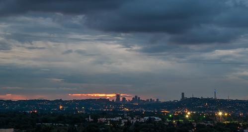 night longexposure southafrica johannesburg lights sunset sunrise dusk dawn nikon city capital sun helvetiahouse clouds