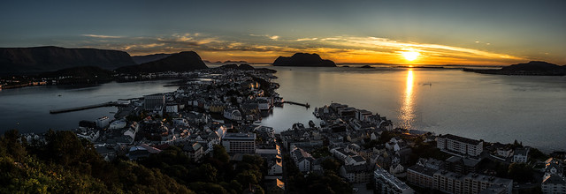 Sunset in Ålesund - Norway - Landscape photography