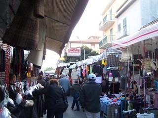 Casamassima-Pulizia Post Mercato richiamo all'ordine per l'Ecologica Pugliese e per i commercianti