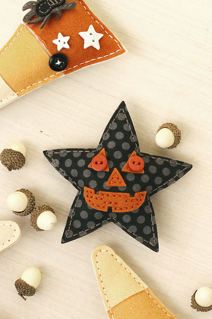 Seasonal Stitches Pumpkin Face Fits Perfectly on the star from the Beaded Holiday Stitch Kit