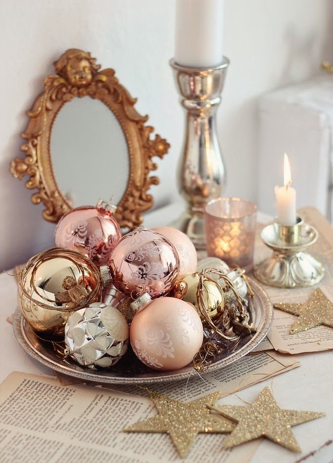 room for style holiday decorating in small spaces - Small Decorations For Christmas