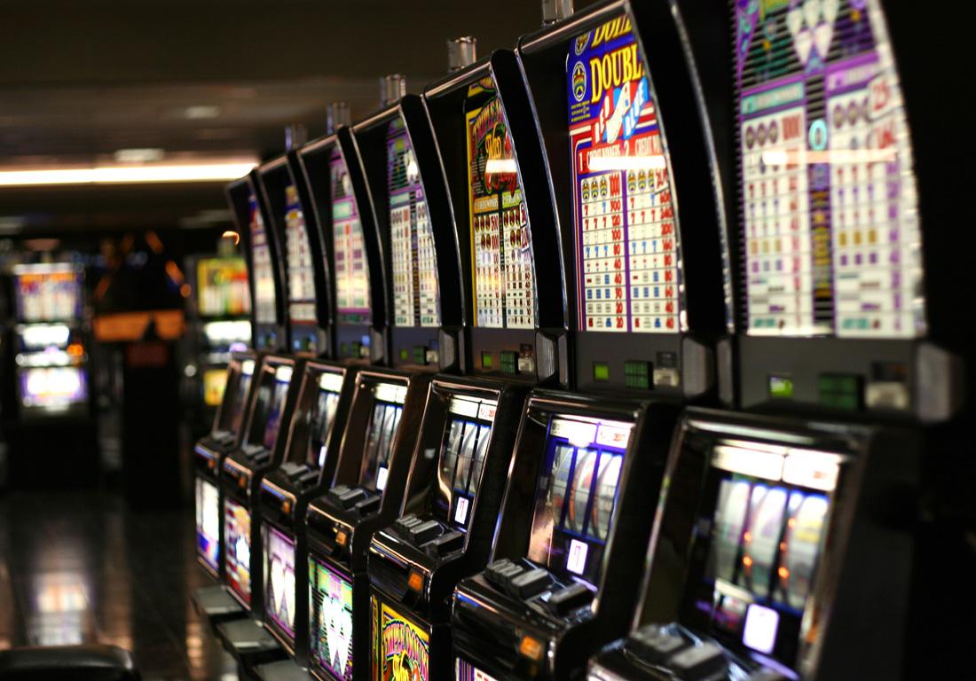 Las Vegs Slot Machines. Credit Yamaguchi先生