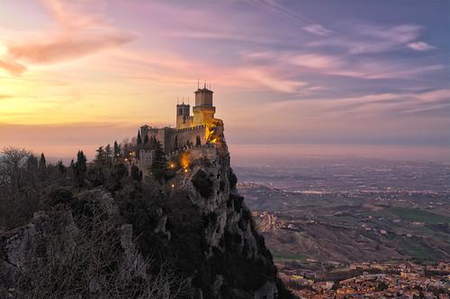 sanmarino romagna fortezza castelli tramonto viola sunset castle