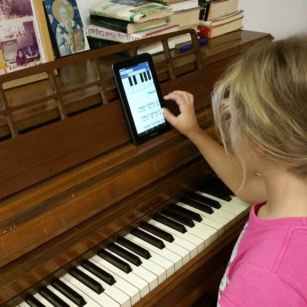 How to use #tablet? Some #kids know! #computer ##laptop