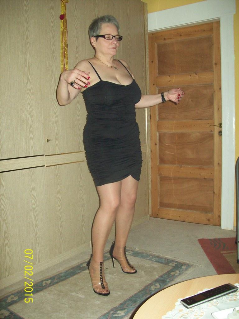 Nude bbw in heels toys