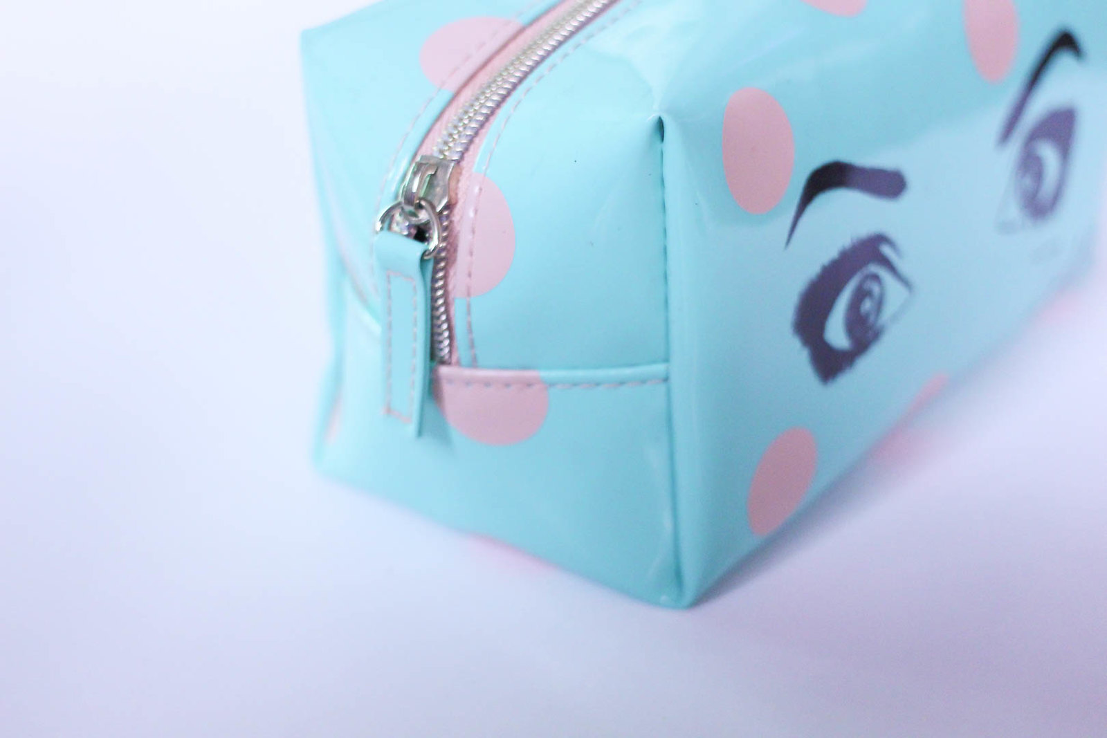Zoella makeup bag eyes