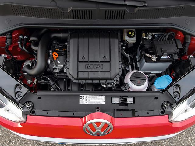 Двигатель Volkswagen cross up!. 2013 год