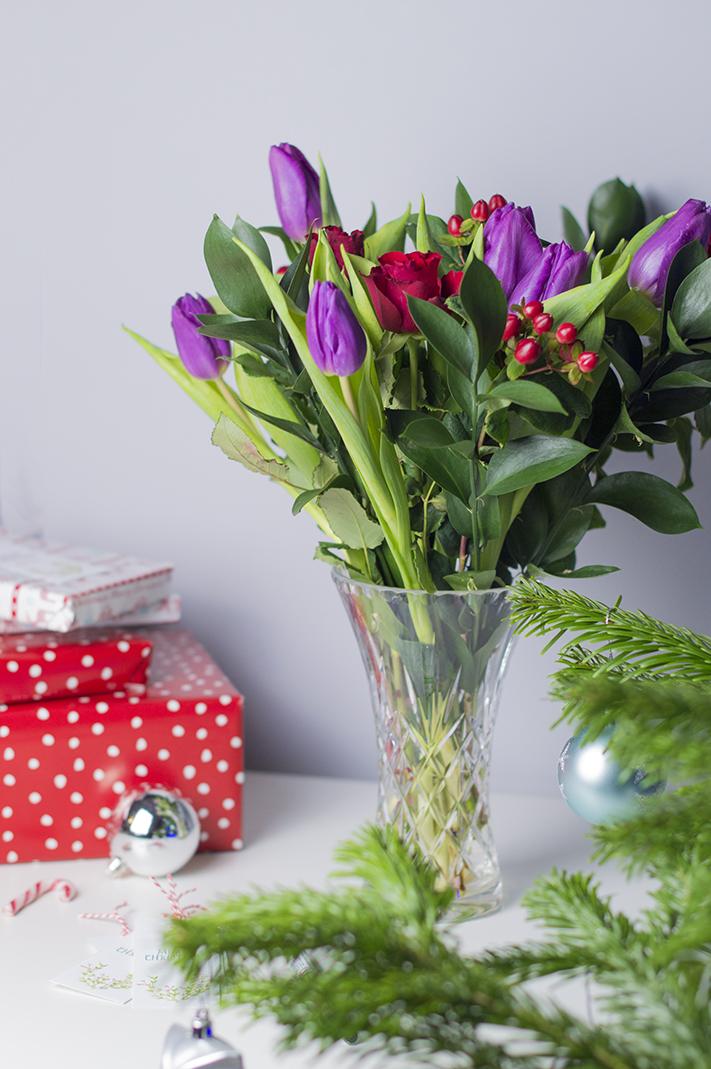debenhams_flowers_festive