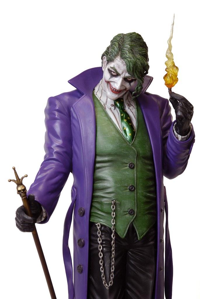 我若是不爽,我會送你一桶汽油、一枝番仔火!!Yamato USA – DC Comics 系列【小丑】The Joker 1/6 比例全身雕像