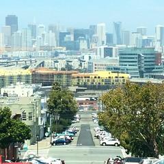 #sanfrancisco #sf #sky #cities #urban #urbanromantix #urbanism #ctxplr #building #lookingup #lookup #archidaily #ic_architecture #archistyles #buildingstyles_gf #architecture #skyscraper #archhunter