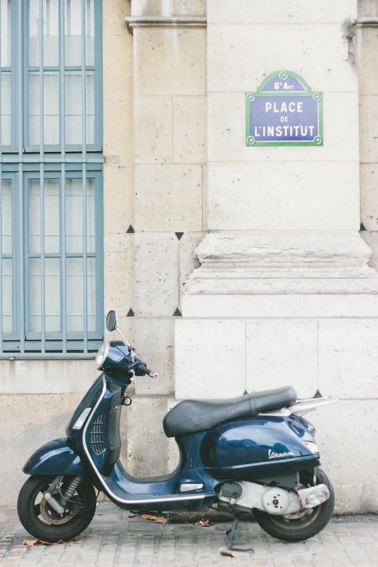 {a sartorial walk through paris} via chevrons & éclairs