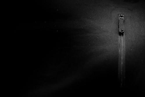 Arc'Teryx A2B Commuter Hardshell - front pocket zipper