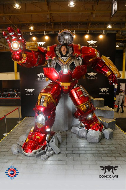 Hulk Buster Iron Man photo op at AsiaPop Comicon Manila / thanks to Comicave Studios