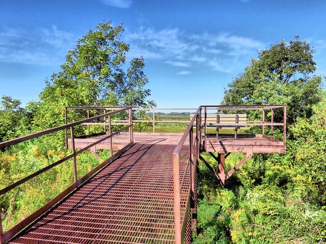 Observation deck at Nelson Lake HDR 20150920