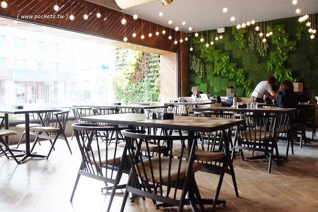32533124792 6bee9748dd z - 【熱血採訪】黑浮咖啡.RÊVE Café:高雄人氣連鎖咖啡館,濁水溪以北第一間分店進駐公益路