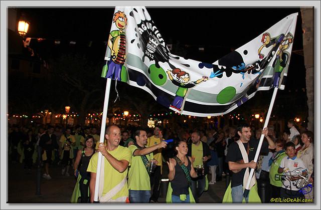 Minuto de silencio en memoria de Pedro Villar y desfile de peñas (14)