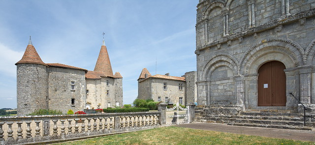 Château and church of Chillac, Charente
