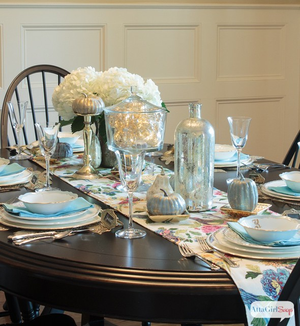 decorating-with-metallics-fall-tablescape-ideas-4