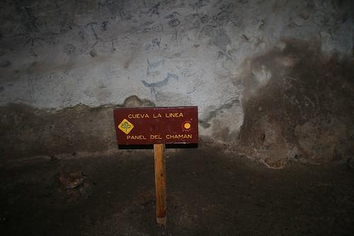 39 - Los Haitises national park - Cueva de la linea - Cave paintings / Los Haitises Nationalpark - Cueva de la linea - Höhlenmalereien