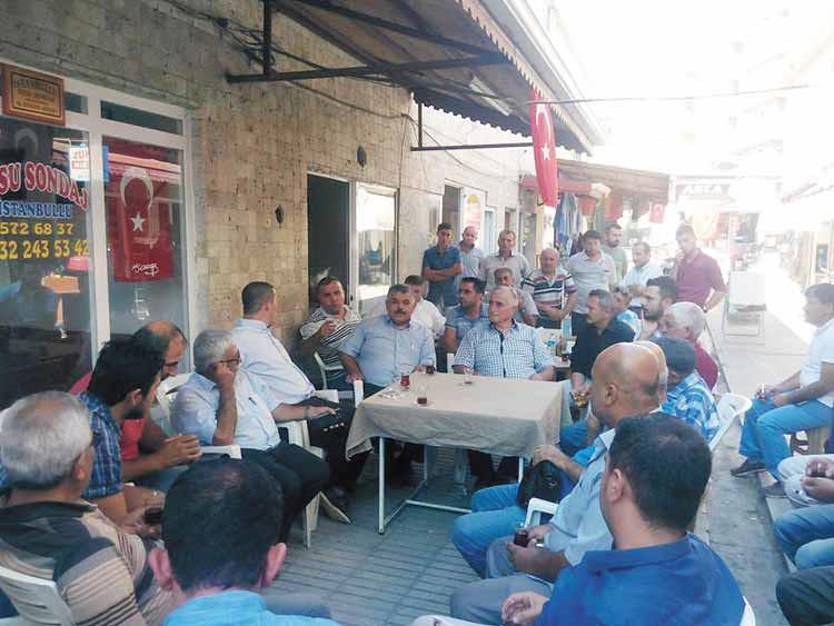 Başkan-Çelik-ve-Ak-Parti-yönetimi-esnafları-ziyaret-etti