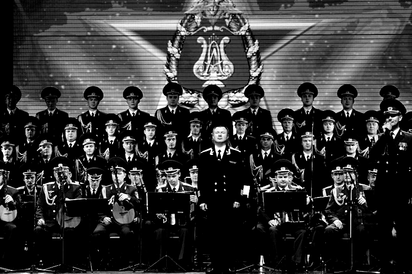 151018_RUS_Alexandrov_choir_edit_BW_6x9