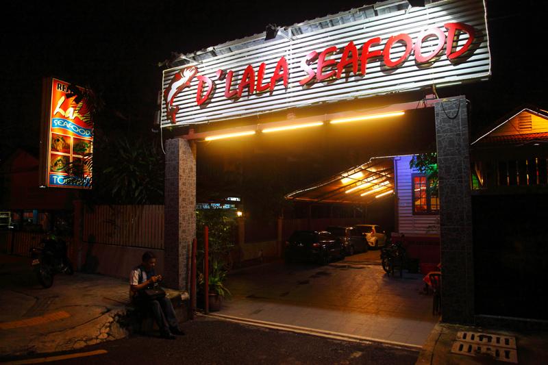 DLala-Seafood-Restaurant-Kampung-Baru
