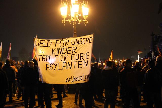 Pegida- und AfD-Anhänger verbreiten Angst und Sorge in Deutschland