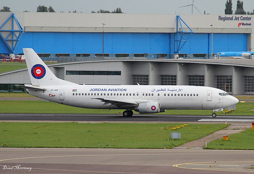 B734 - Boeing 737-46B