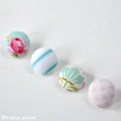 Pretty pastel fabric covered buttons 9