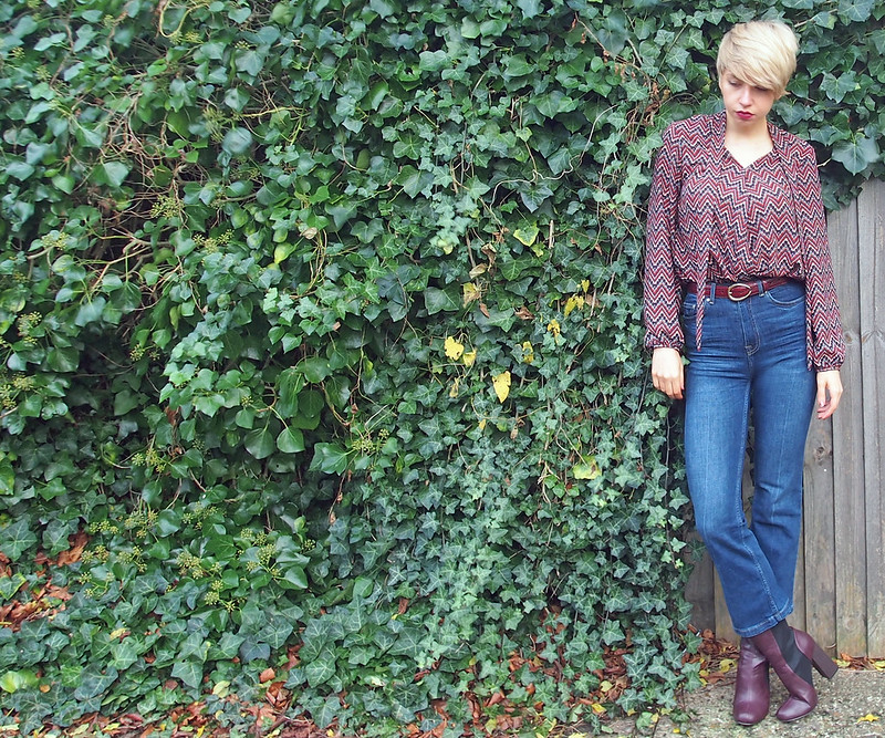 High-Waist Crop Kick Flare Jeans, H&M, How to Wear, '70s, Geo, Geometric, Tie Neck, Pussybow Blouse, Dorothy Perkins, Elliot Rhodes, Belt, Mock Croc, Leather, Burgundy, Horse Shoe Buckle, Mid-Calf Boots, Shoebou, Truffle Collection, Sam Muses, UK Fashion Blog, London Style Blogger, Stylist, Outfit Ideas, Style Inspiration