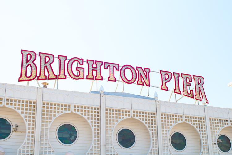 2 brighton pier sign