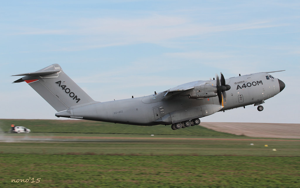 A400M Grizzly 21139861018_cc61105108_b